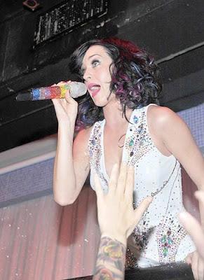 Katy Perry Splash Bar