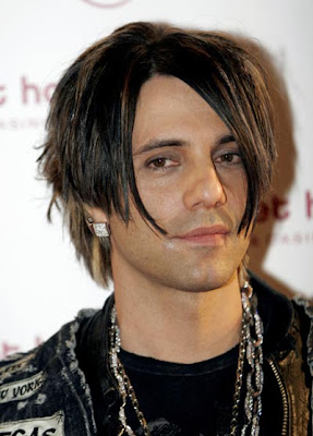 Who is Criss angel girlfriend?