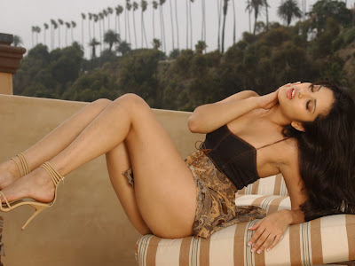 sunny leone wallpapers. sunny leone wallpapers.