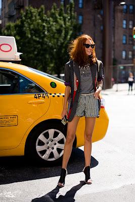http://1.bp.blogspot.com/_pekaT4X1eB8/TJJnZiZm5-I/AAAAAAAAESY/-81hJHD6Tj8/s1600/streetstyle2859.jpg