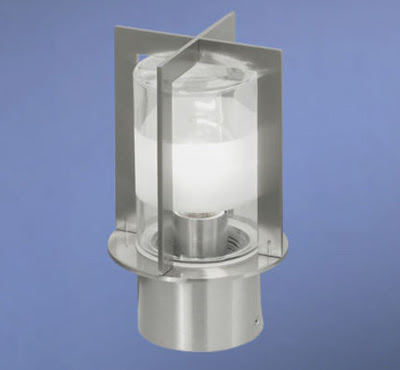 The 88128 Capitol Garden Light - An IP44 Socket Lamp, Short Garden Bollard 240mm