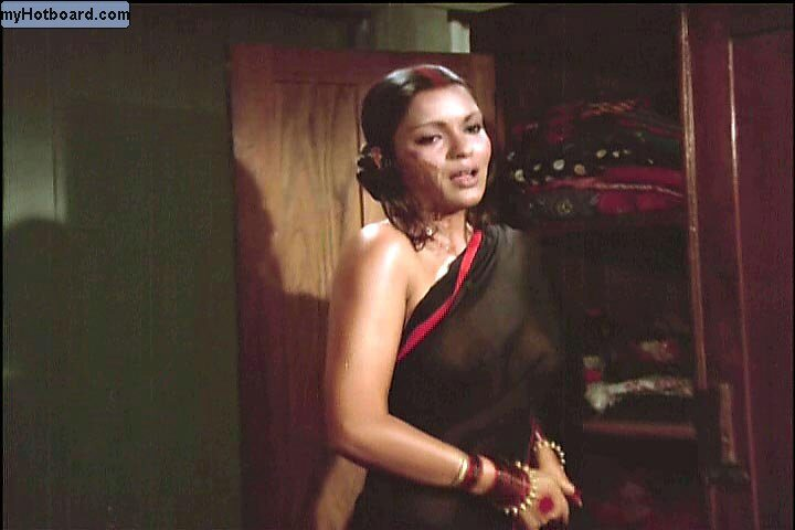 Zeenat Aman's Various Nip Slips and Nipple Pokiesa dn Bra Less Pics
