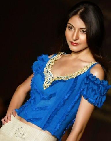 , Anushka Sharma Modelling Pics