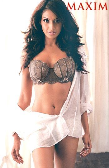 Bipasha basu hot cover girl for maxim