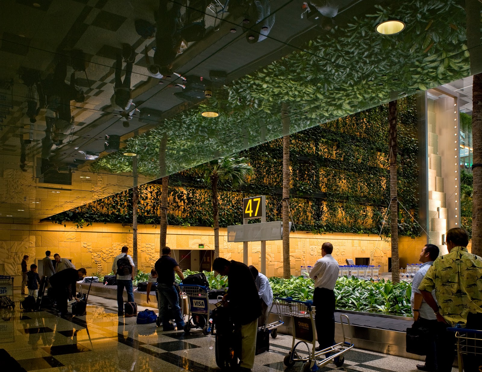 Sense of Creativity: Changi Airport Terminal 3 Interior Landscape ...