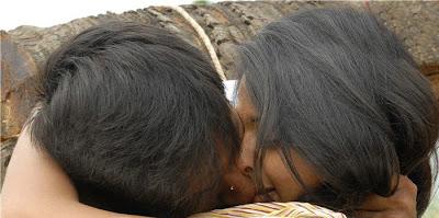 http://1.bp.blogspot.com/_pkcipyp9O94/S71zVDm9nPI/AAAAAAAAKL4/McS64HTUphE/s400/anushka-lip-to-lip-kiss-12.jpg