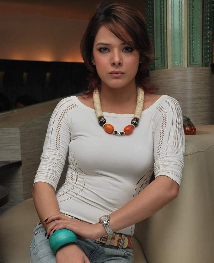 Udita Goswami new hot photoshoot and wallpapers