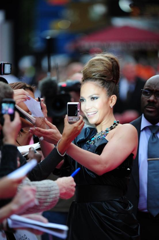 jennifer lopez hairstyles in the back up plan. Jennifer Lopez in new and