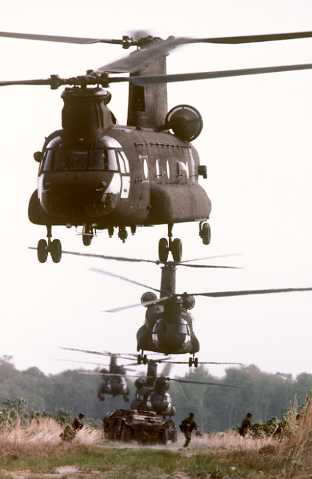 U.S. ARMY CH-47 Chinook Helicopters