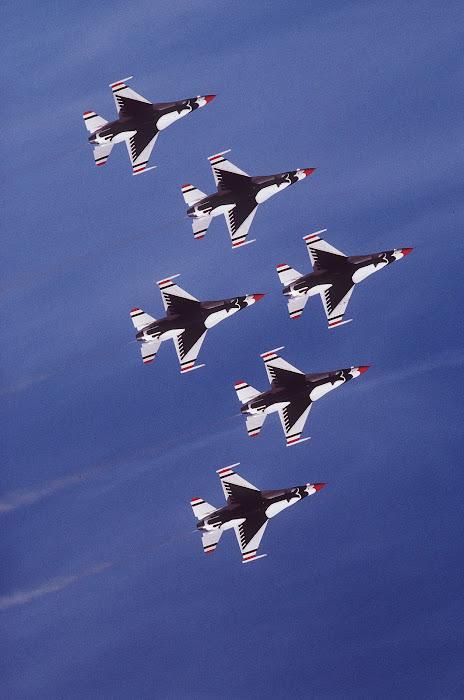 USAF Thuderbirds Delta Pass