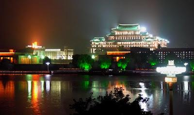 Pyongyang de noche 02