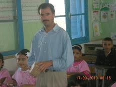 Rachid , le gardien de l'école, en classe!