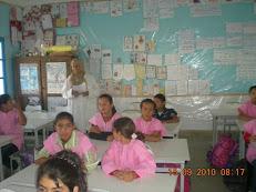 Mme Moufida avec ses élèves!