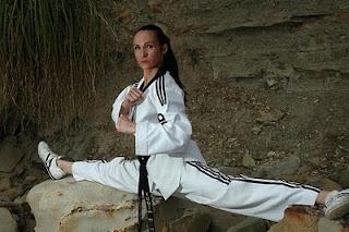 Los beneficios del calentamiento y del estiramiento por loren Karateca