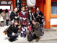 和服姿4人と横浜の2人