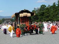豊公参朝列、当日だけ許された特別な装束の大名