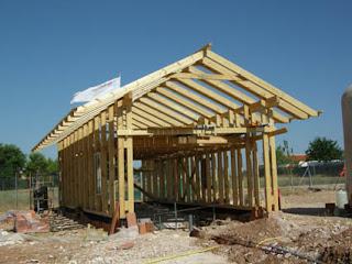 Bioconstrucci n estructura de madera para casa de balas - Estructura casa madera ...
