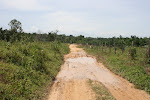 Jalan menuju ke tapak pembinaan Gereja St. Joseph yang baru