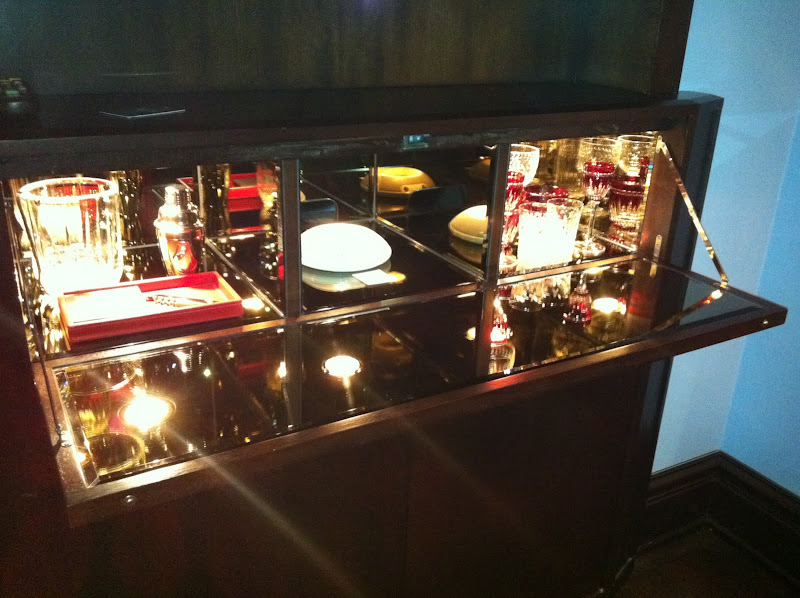 The drop down mirrored bar, bright and shiny! (and check out the bit  title=