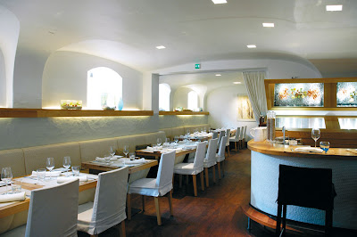 modern interior design restaurant