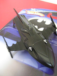 Hot Wheels Batmobile Animated series Returns Batman Pod Wing Boat Batboat Penguin mobile Two Face Friends