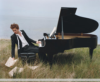 Robert Pattinson Playing Piano on Sex On A Piano Never Sounded So Appealing