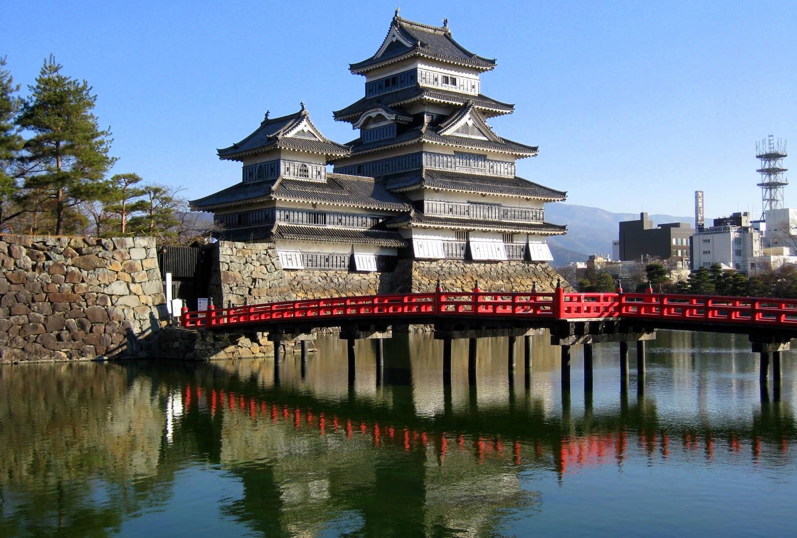 AccessJ: PT: Matsumoto Castle Ice Festival