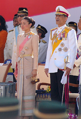 Royal Portraits: Crown Prince Vajiralongkorn and Princess Srirasmi ...