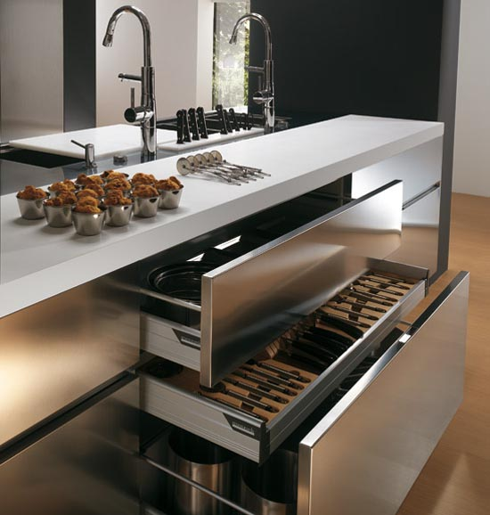 Italian stainless steel kitchen cabinets elektra ernestomeda for Kitchen cabinets stainless steel