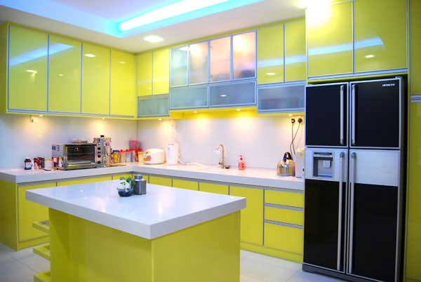 Cabinets for kitchen yellow kitchen cabinets for Modern green kitchen designs