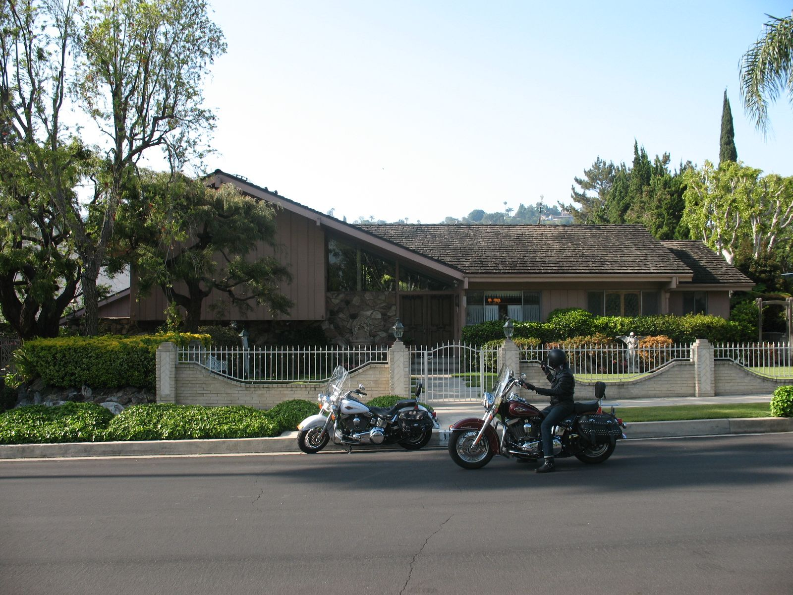 La To Big D Motorcycle Adventure The Brady Bunch House