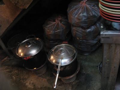 鴨母寮市場「骯髒麺」