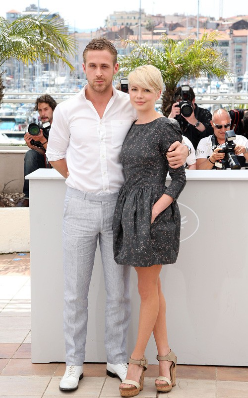 ... for her premiere with Ryan Gosling of their new movie