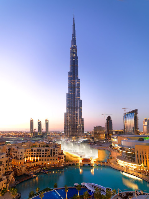 del mundo se encuentra localizado en downtown burj khalifa un nuevo distrito rodeado por numerosos edificios altos donde se encuentra el dubai mall