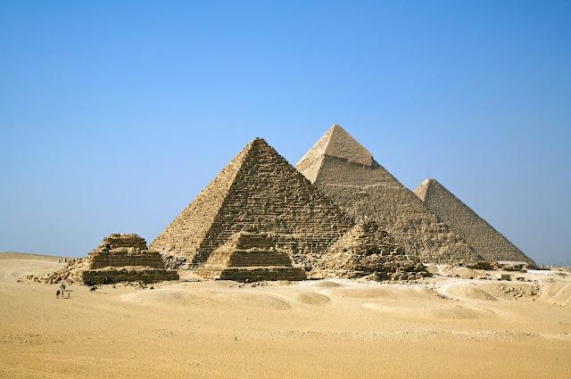 Pirámides de Giza, Keops, Kefrén y Micerino.