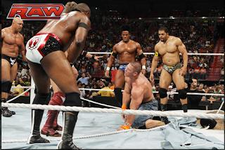 Wade Barret y todos los ex NXT destrozan a John Cena y a la Sociedad Disciplinada Sin+t%C3%ADtulo
