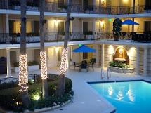 Poolside Beverly Hills Plaza Hotel Sealaura