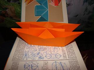 Двойна лодка от хартия