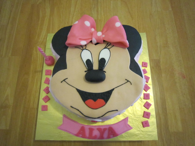 minnie mouse cake. Minnie Mouse cake