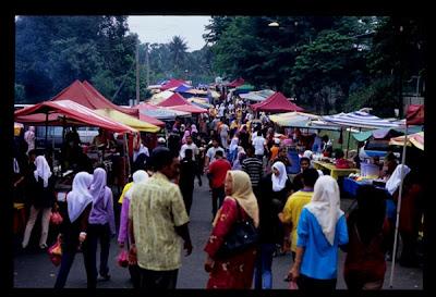 http://1.bp.blogspot.com/_q5C1E-CcE4c/TLK5t8Ee_6I/AAAAAAAAEiE/kmIr1iM1AzU/s1600/bazaar-ramadhan-rakan-muda-unisel.jpg