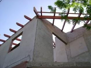 Techos de madera techo a tres aguas tres caidas for Techos a tres aguas fotos