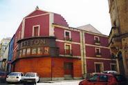 Por el Teatro Bretón