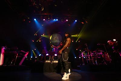Imagen de Drake y Lil Wayne en su primera aparicion en un escenario tras salir de la carcel