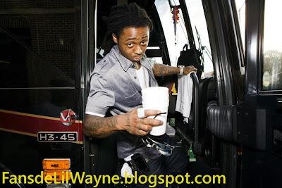Imagen de Lil Wayne en su caravana