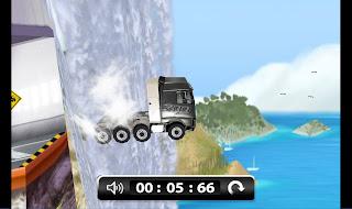 World's Strongest Truck Advergame 2 Screenshot - Waterfall
