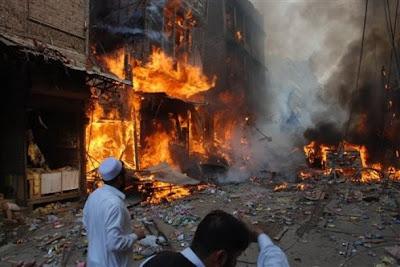 Bomb Blast Near Peshawar Court