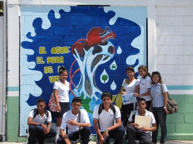 (se incluyen ejemplos de graffitis de esta temática, aunque lo que realmente se pretende con esta actividad es que se desarrolle la Creatividad de los