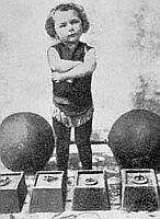 Charlie Rivel a los 3 años