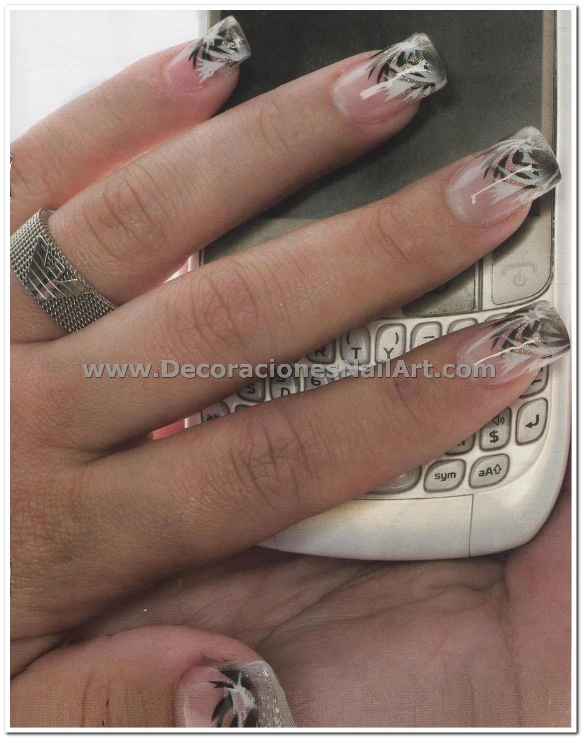 Diseño Práctico y fácil de hacer en uñas acrílicas (AEROGRAFíA) Diseño Práctico y fácil