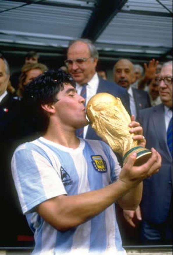 Este sería el valor de las leyendas del fútbol mundial.